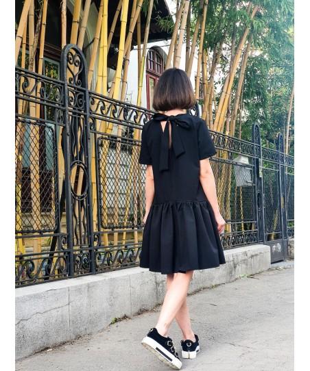 """Rochie Neagra """"The little Black Dress"""""""